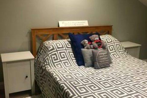 attic bedroom d